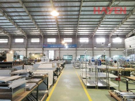Nên lựa chọn mua thiết bị Inox tại nhà máy hay ở xưởng thủ công truyền thống